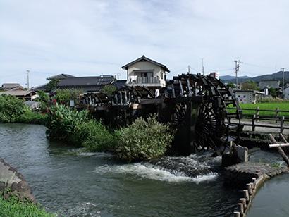 ①吉井三連水車