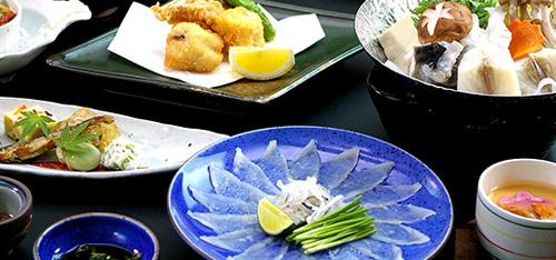 【GO TOトラベル適用プラン】門司港たっぷり散策ツアー 三宣楼『ふく会席』昼食付(7時間)